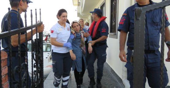 Düzensiz göçmenleri taşıyan botta fenalaşan kadın kurtarıldı
