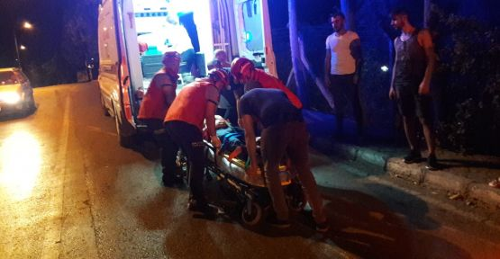 Elektrik direğine çarpan otomobil devrildi: 2 yaralı