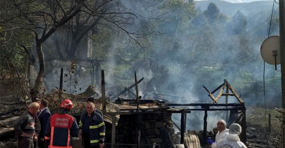 Ev yangınında 3 yaşındaki çocuk öldü