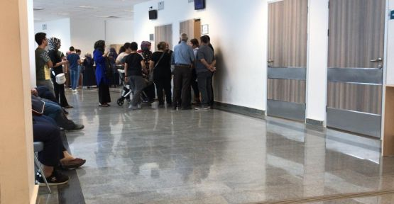 Fatih Devlet Hastanesi'nde doktor kuyruğu