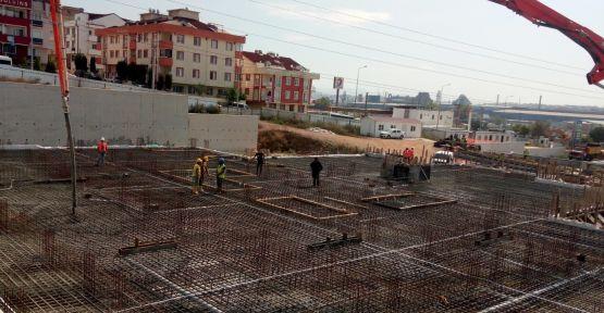 Gebze spor kompleksi yüzme havuzunun temel betonu döküldü