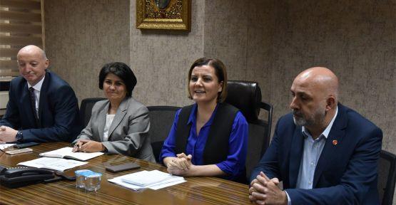 Hürriyet, yeni başkan yardımcıları ve müdürlerle bir araya geldi