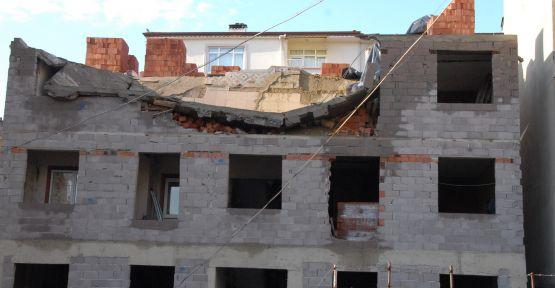 İnşaat halindeki binanın tavanı çöktü