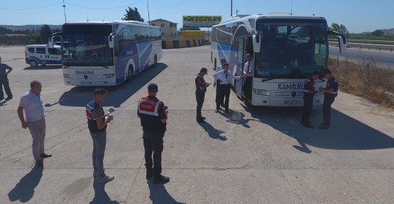 Jandarma otobüslerde yangın tüpü denetimi yaptı