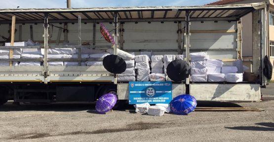 Kocaeli'de durdurulan tırdan 1 milyon liralık kaçak şemsiye çıktı