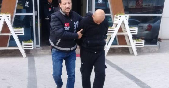 Kocaeli'de fuhuş operasyonunda 2 kişi tutuklandı