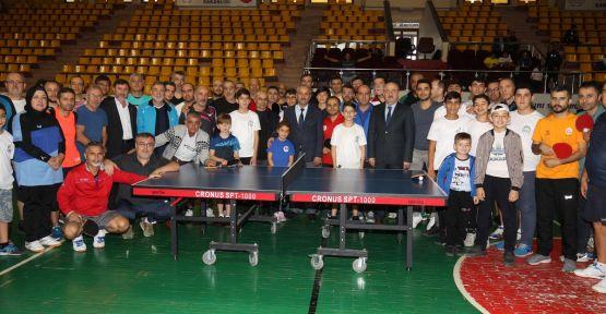 Masa Tenisi Turnuva'sının açılışını Büyükgöz yaptı