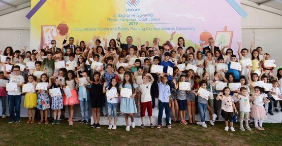 Şişecam ailesi Gebze'de çocuklarını ödüllendirdi