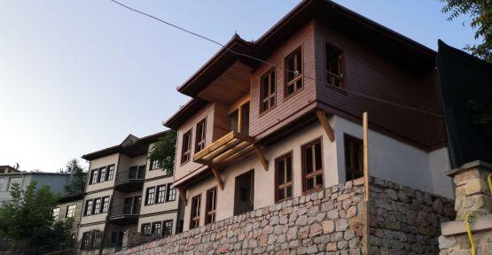 Tarihi binalar restore ediliyor