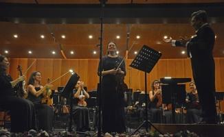 Bursa Bölge Devlet Senfoni Orkestrası, keman sanatçısı Tatiana Samouil'i ağırladı