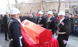 Bursa'da başından vurularak şehit olan polis Kütahya'da toprağa verildi