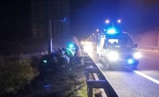 Bursa'da direğe çarpan otomobilin sürücüsü hayatını kaybetti
