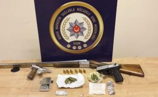 Bursa'da uyuşturucu operasyonunda yakalanan 8 zanlıdan 5'i tutuklandı