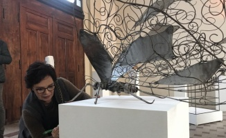 Cumhurbaşkanlığı Kültür ve Sanat Politikaları Kurulu üyeleri, öğrenciler için Edirne'de açık artırmaya katıldı