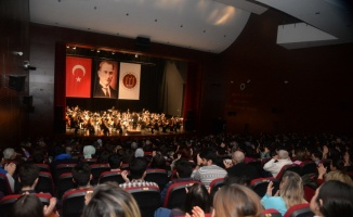 Eskişehir Büyükşehir Belediyesi Senfoni Orkestrası Bilecik'te sahne aldı