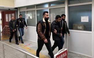 Sınırı geçmek üzereyken yakalanan 3 DEAŞ şüphelisi tutuklandı