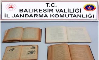 İnternette satışa çıkarılan Osmanlı dönemine ait 107 yıllık 4 bilim kitabı ele geçirildi