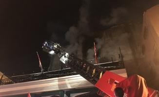 Kadıköy'de iş yeri yangını
