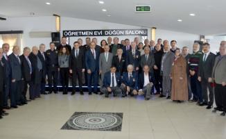 Karamürsel'de 44 Kıbrıs gazisine madalya ve berat belgesi verildi
