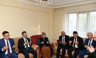 Kocaeli Valisi Hüseyin Aksoy'dan şehit ailelerine ziyaret