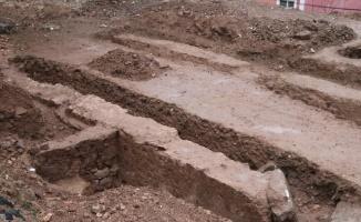 Kocaeli'de inşaat kazısında tarihi yapıya ait kalıntılar bulundu