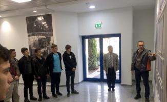 Lise öğrencileri Ford Otosan Gölcük Fabrikası'nı gezdi