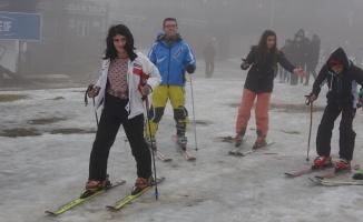 Muşlu öğrenciler ilk kayak deneyimini Uludağ'da yaşadı