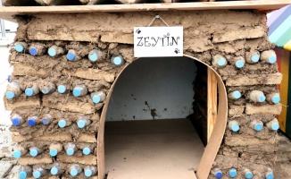 Özel gereksinimli öğrenciler atık malzemelerden köpek yuvası yaptı