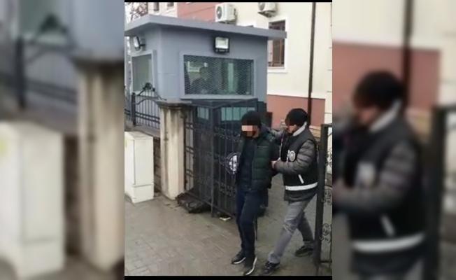 Sakarya'da evlerden hırsızlık yaptığı iddiasıyla 3 kişi gözaltına alındı