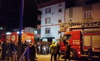 Tekirdağ'da çıkan ev yangınında 7 kişi dumandan etkilendi