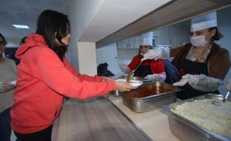 Anne Eli'ne yemek firmalarından destek
