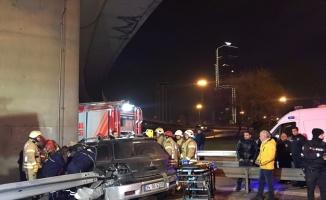 Otomobille kaza yapan 14 yaşındaki çocuk bacağından oldu