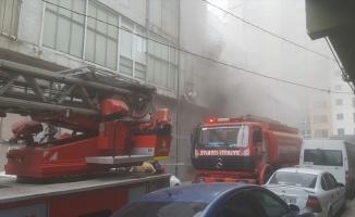 Bağcılar'da atölyede çıkan yangın söndürüldü