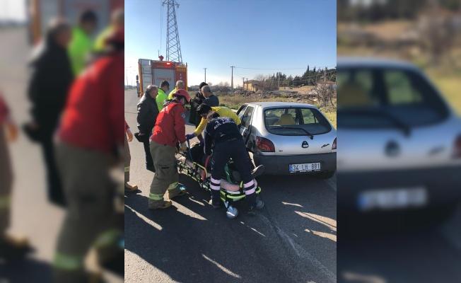 Balıkesir'de iki otomobil çarpıştı: 4 yaralı