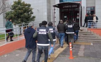 Balıkesir'de uyuşturucu operasyonunda yakalanan 6 zanlıdan 4'ü tutuklandı