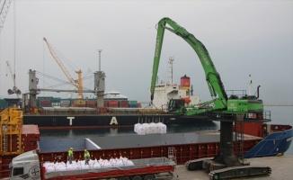 Bandırma Limanı'nda geçen yıl yaklaşık 5 milyon tonluk yükleme boşaltma yapıldı