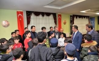 Bilecik Valisi Şentürk, öğrencilerle buluştu