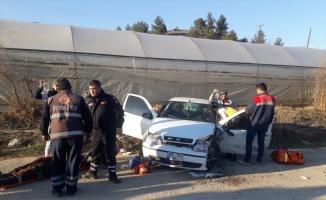Bilecik'te otomobil kamyonla çarpıştı: 2 yaralı
