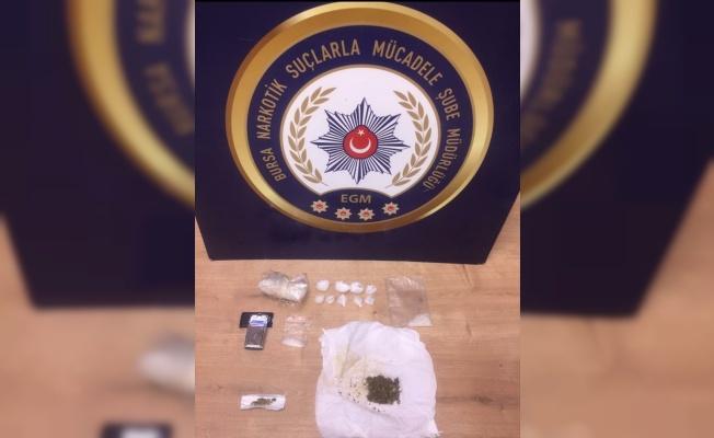 Bursa'da uyuşturucu operasyonunda yakalanan 4 şüpheliden 2'si tutuklandı