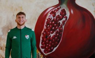 Bursasporlu genç futbolcu Burak Kapacak, oyun stilini Quaresma'ya benzetiyor: