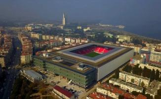 Çatısında 650 metre yürüyüş parkuru bulunan Göztepe'nin stadyumu açıldı
