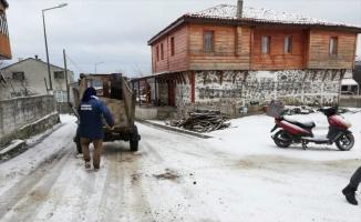Demirköy'de kar temizleme çalışması
