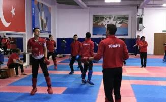 Genç karateciler Avrupa Şampiyonası'na hazırlanıyor
