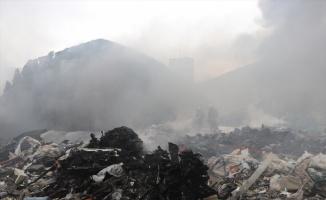 GÜNCELLEME - Bursa'da hurda deposundaki yangın söndürüldü