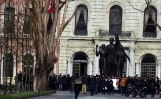 İstanbul Üniversitesi öğrencilerinden yemekhane düzenlemesine tepki