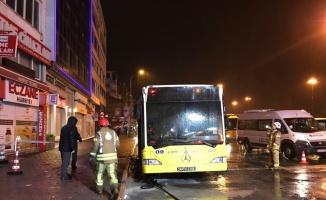 Kadıköy'de İETT otobüsünde yangın çıktı