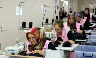 Kadın girişimciler tekstil atölyesi kurdu, 45 kişiyi istihdam etti