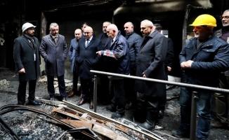 Kocaeli Büyükşehir Belediye Başkanı Büyükakın, yangın çıkan AVM'nin esnafını ziyaret etti