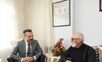 Kocaeli Valisi Hüseyin Aksoy şehit ailesini ziyaret etti