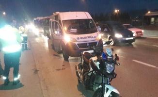 Kocaeli'de trafik kazasında 2 polis yaralandı